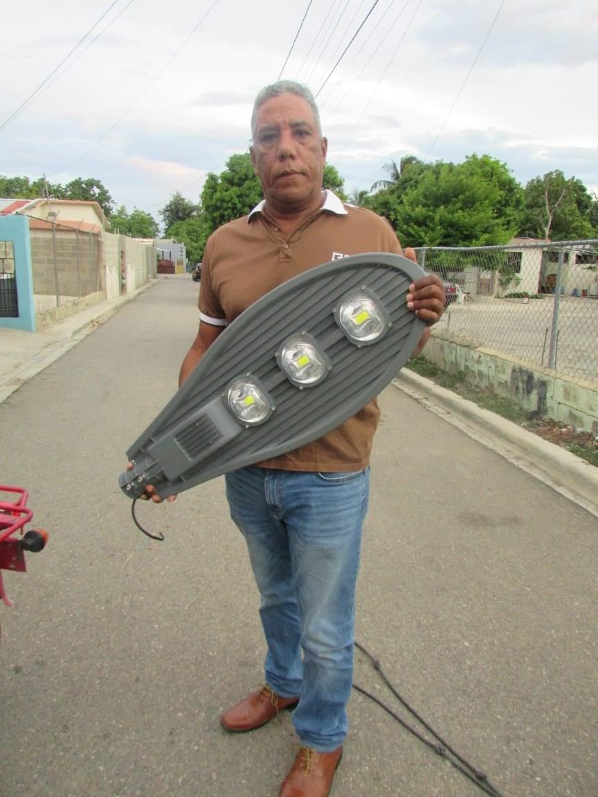 Ayuntamiento Municipal Y su Alcalde Esmerito Polanco Hacen el Tercer Operativo de iluminación.